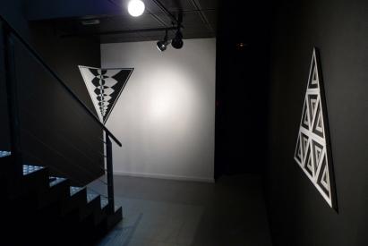 """Vues de l'exposition """"Piercing the Psychic Heart"""" à la Fondation Espace Écureuil"""