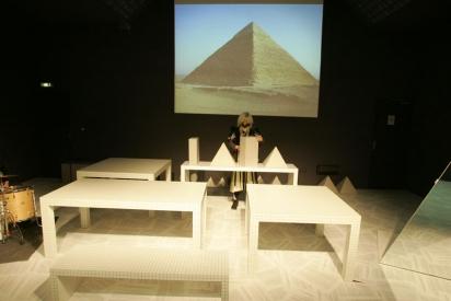 """Vues de la performance-installation """"En réalité"""" au Centre culturel de Bellegarde"""